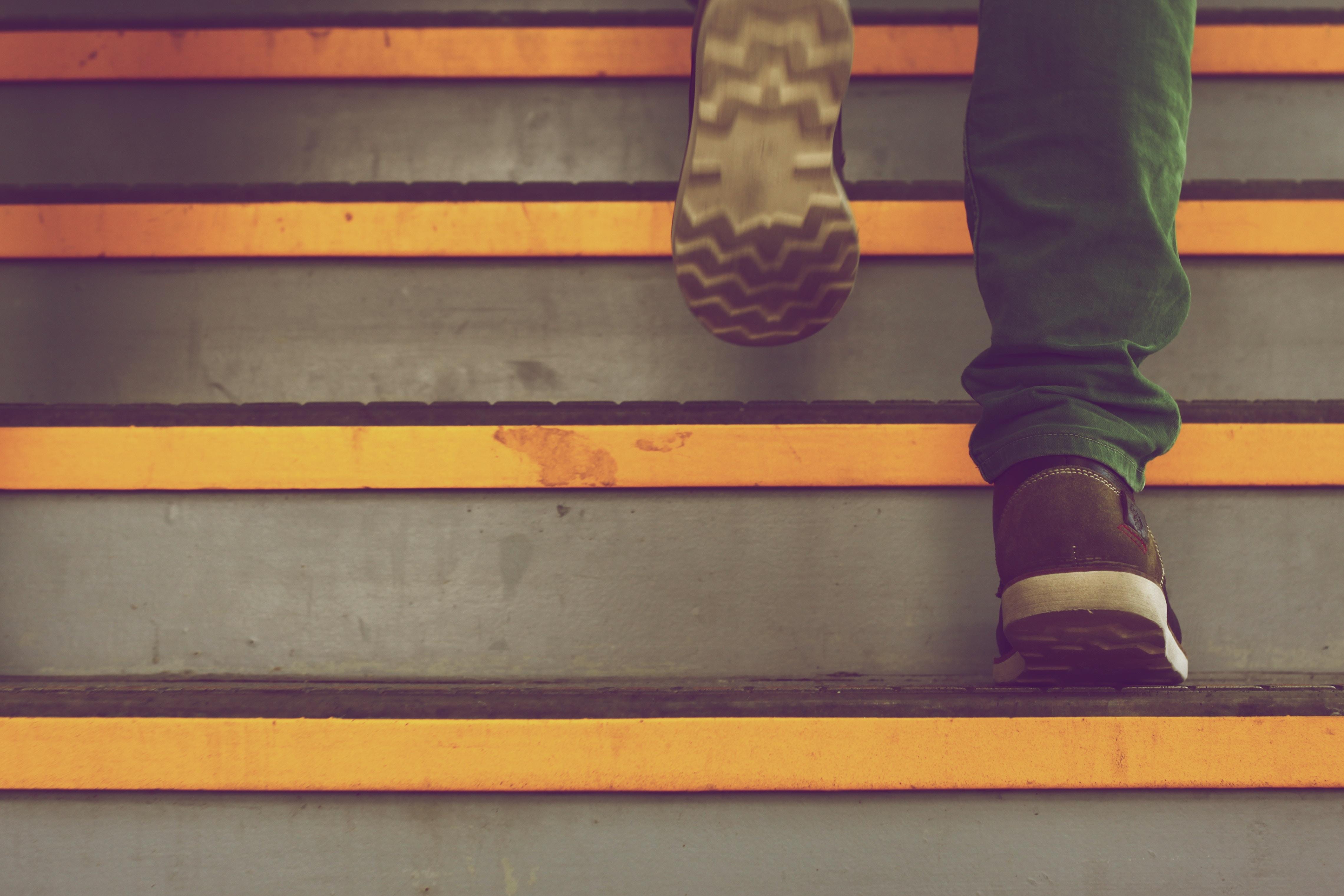 4 steps schritte themenrecherche
